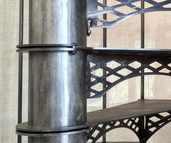 Escalier Eiffel anneaux